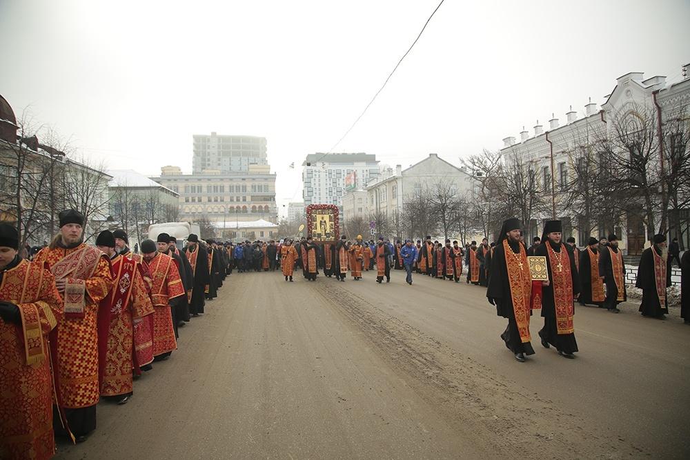 Более трех тысяч человек приняли участие в крестном ходе в честь великомученицы Екатерины – покровительницы Екатеринбурга
