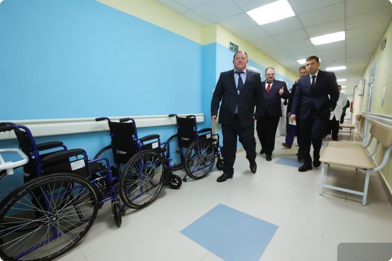 Евгений Куйвашев посетил Верхнепышминскую центральную больницу