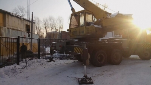 Десятки домов остались почти без отопления из-за коммунальной аварии в Екатеринбурге