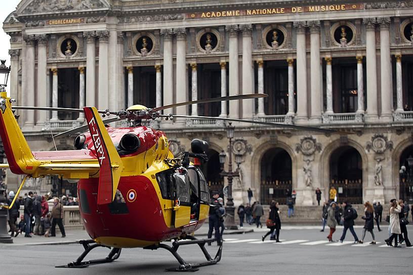 Мощный взрыв прогремел в центре Парижа