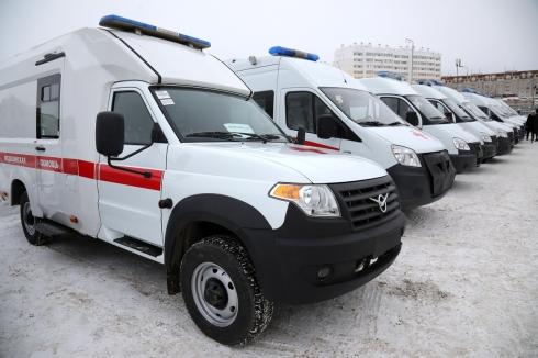 Автопарк скорой медицинской помощи Курганской области пополнился новыми неотложками