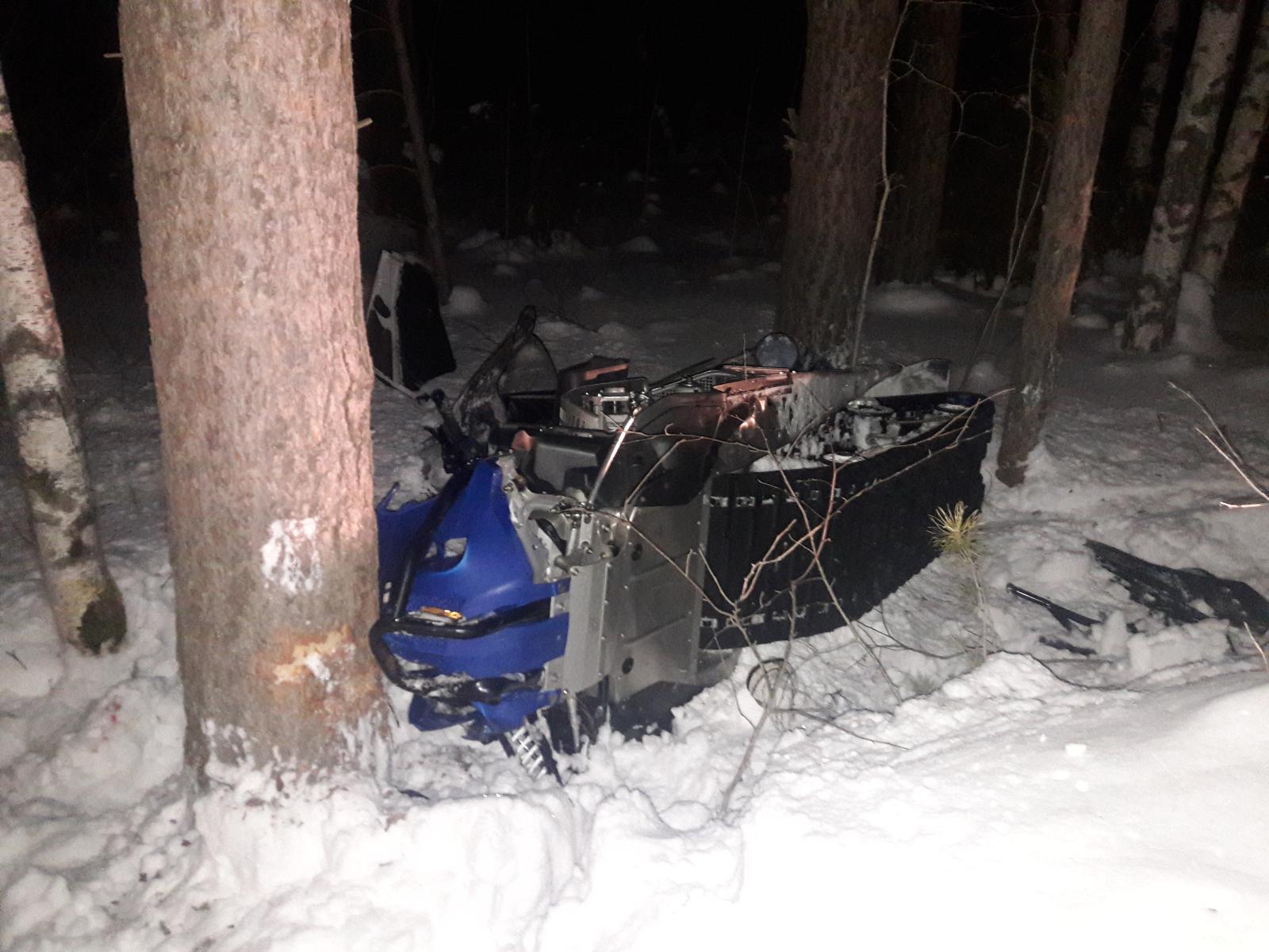 За минувшие выходные в Свердловской области погибли два водителя снегоходов