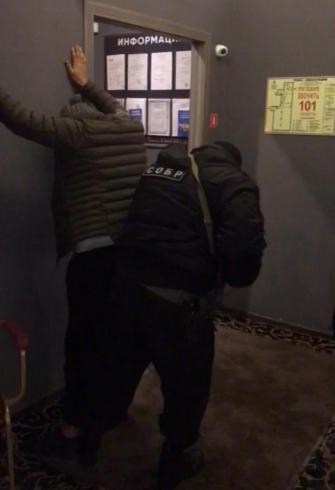 В Екатеринбурге ФСБ устроила облаву на мигрантов: 80 человек пойманы только этой ночью