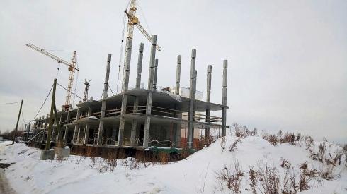 Мольбы дольщиков услышаны: строительство ЖК «Кольцовский дворик», замороженного 2 года назад, возобновилось