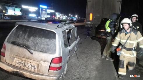Водитель погиб на месте: в Екатеринбурге на дублёре Сибирского тракта произошло ДТП