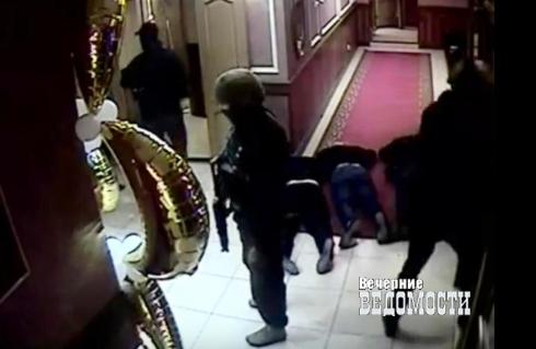 ОБОП с изголодавшимся СОБРом пресекли криминальную сходку в Камышлове