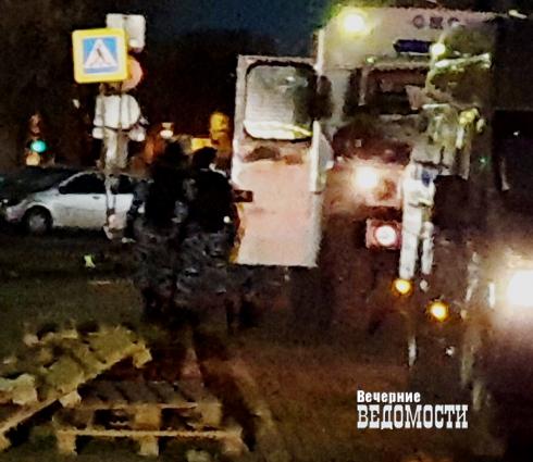 В Екатеринбурге в ночном клубе «Магнитофон» прошла спецоперация силовиков