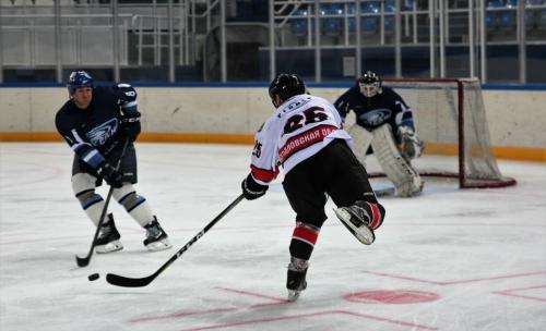 Звезды уральского хоккея не знают поражений
