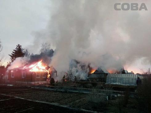 Ночью на Чусовском тракте горели несколько домов
