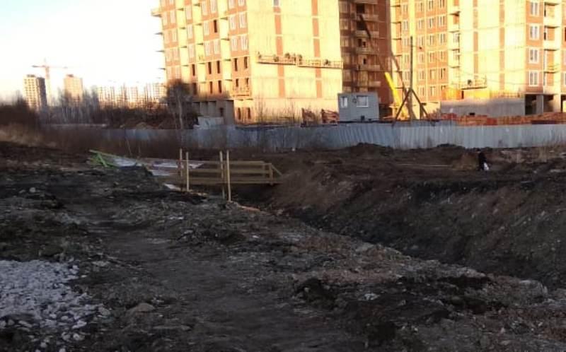 В Екатеринбурге в ночь на 1 мая у жителей Широкой Речки «украли» мост