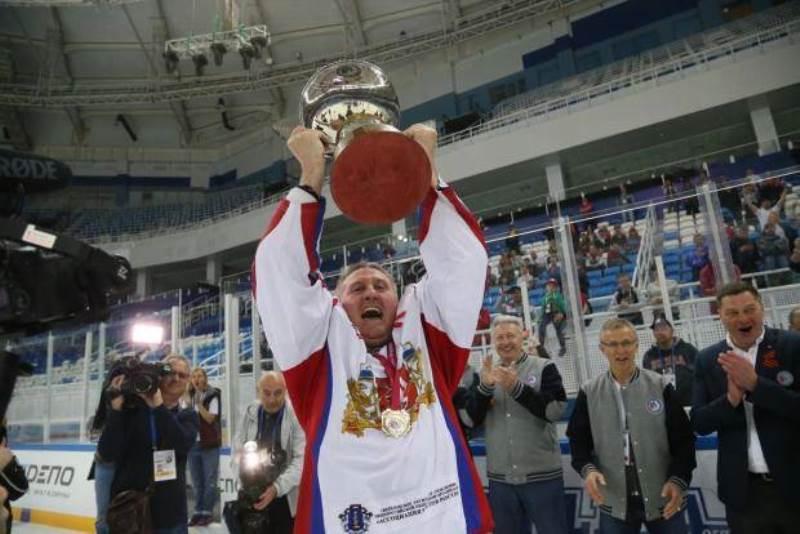 Свердловские хоккеисты выиграли для Екатеринбурга третью ледовую арену