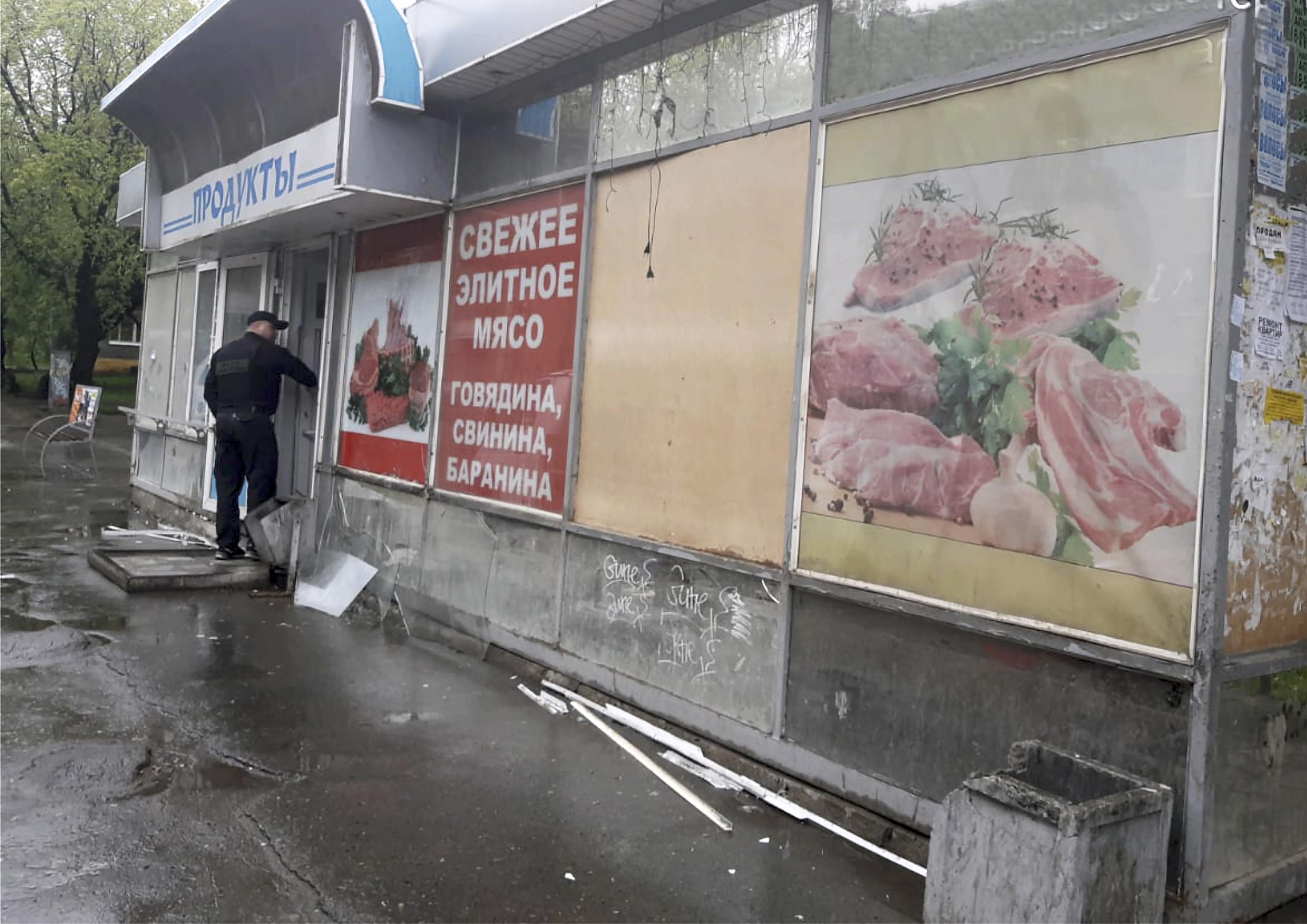 В Орджоникидзевском районе демонтировали незаконные торговые павильоны