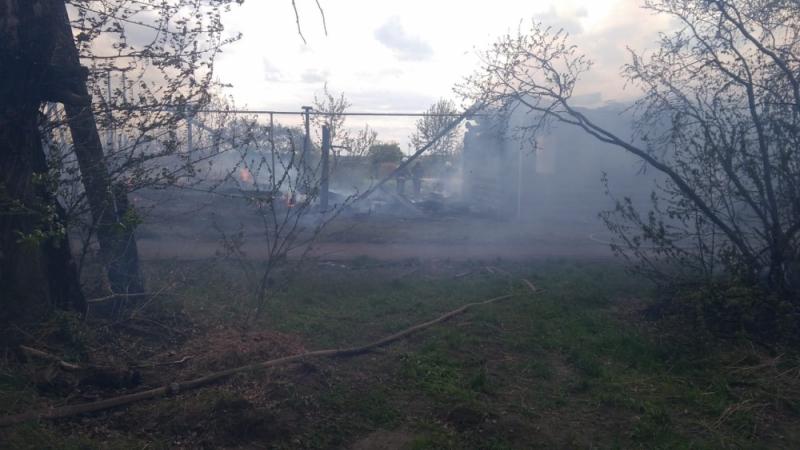 В Нижней Салде пожар охватил шесть домов