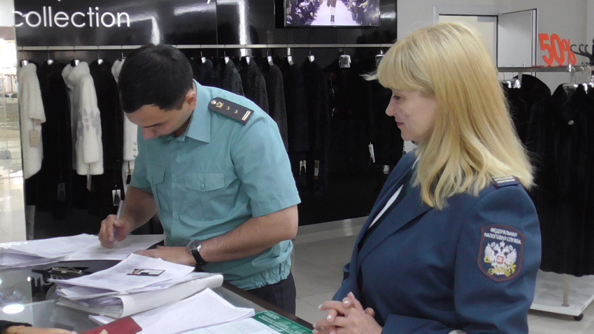В ТЦ «Гермес Плаза» у предпринимателя-должника арестовали торговые площади
