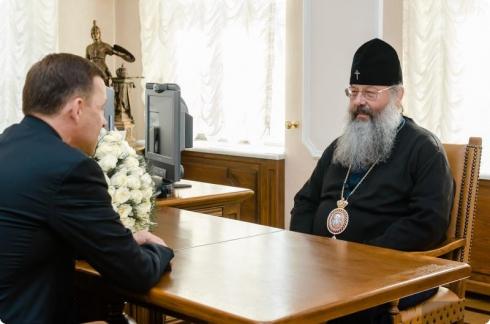 Евгений Куйвашев поздравил митрополита Кирилла с годовщиной рукоположения