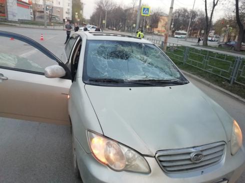 Вечером на Уралмаше автомобиль сбил двух подростков