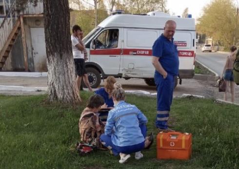 Оставил машину и сбежал: в Екатеринбурге водитель легковушки влетел в автобус