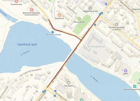 С 1 июня закроют движение по Макаровскому мосту
