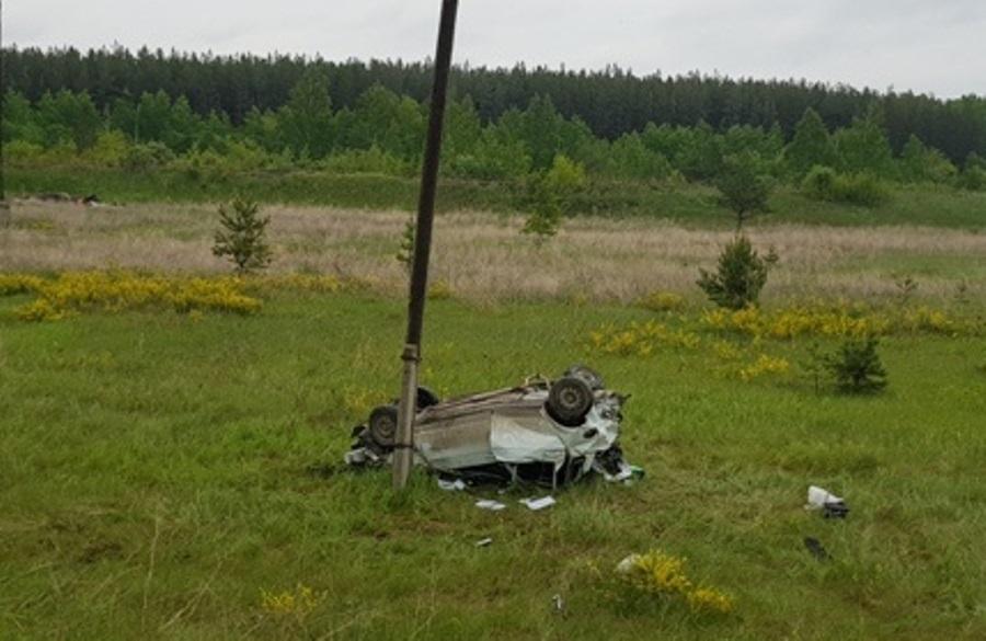 В ДТП в Свердловской области погибли три человека и двое пострадали