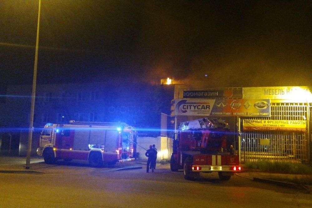 В Екатеринбурге на Окружной сгорела сауна