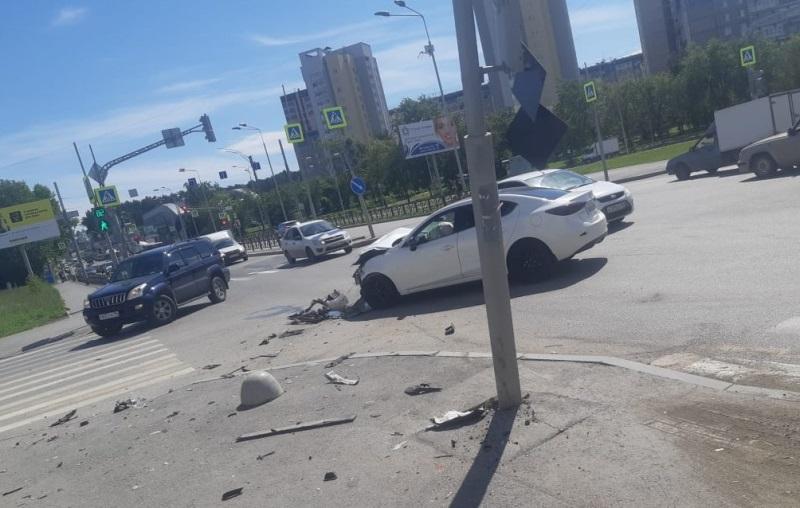 В Екатеринбурге в результате ДТП пострадал восьмимесячный ребенок