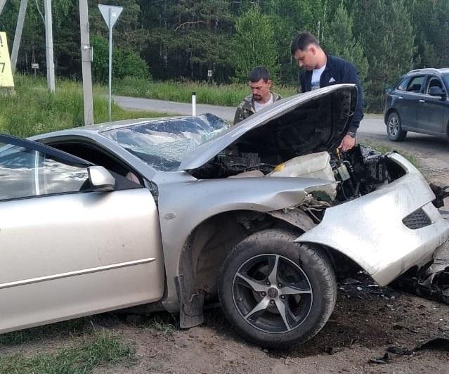 Погиб водитель: на трассе «Екатеринбург – Тюмень» произошло жуткое ДТП