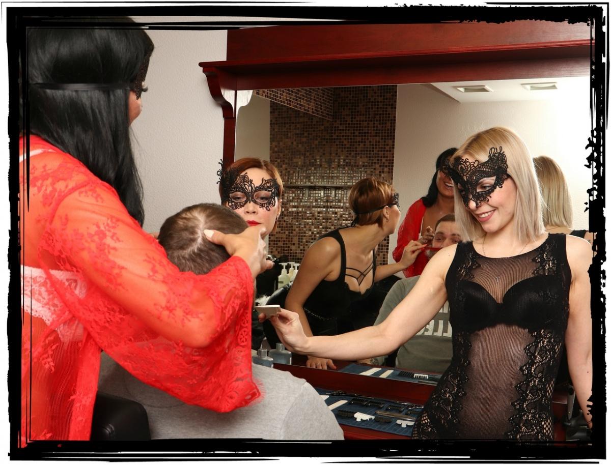 Самую эротичную парикмахерскую Екатеринбурга выставили на продажу
