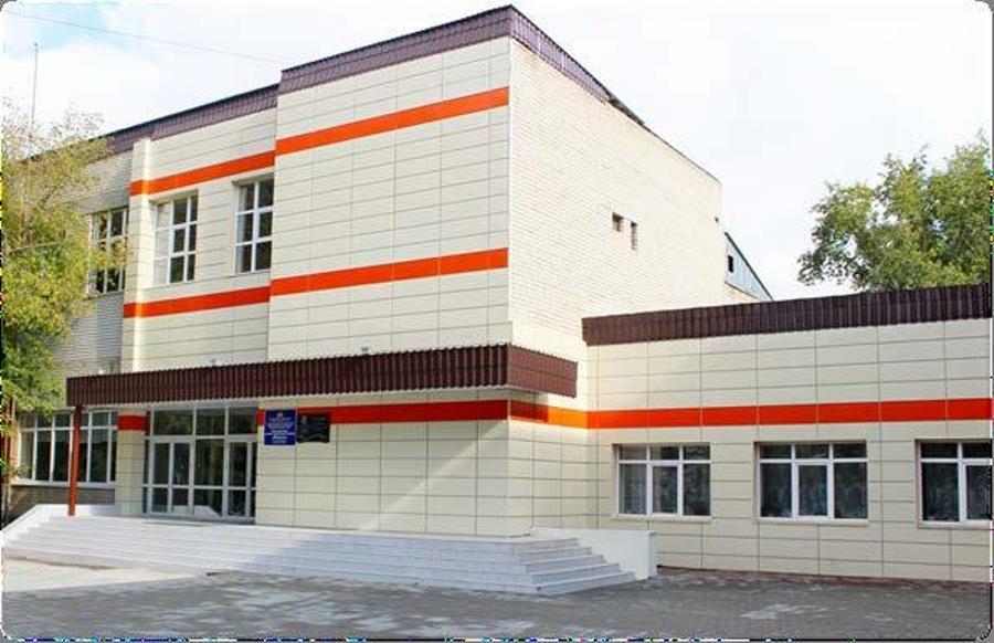 Выпускникам техникума «Юность» вручили дипломы и приглашения на работу в УГМК