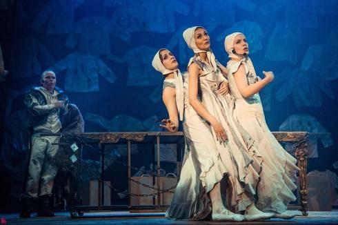 Уральские театры «Шарманка» и «ORA» представят в Москве на фестивале «Протеатр» спектакль «Бородино. Наброски людей»