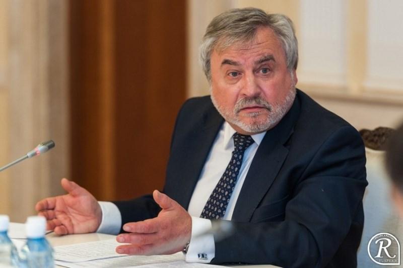 Осенью обновится состав общественной наблюдательной комиссии Свердловской области
