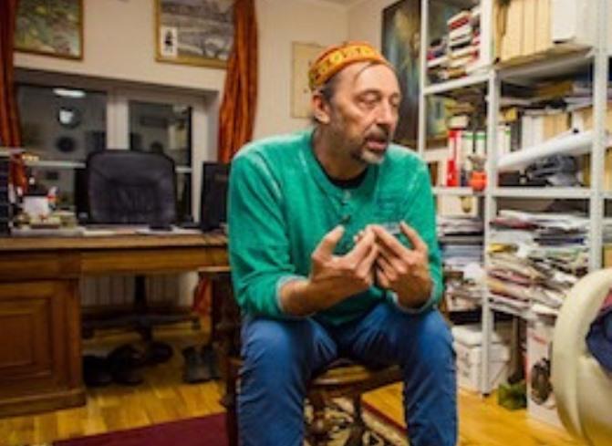 С шапкой по миру: Николаю Коляде не хватает денег для «Коляда-Plays»
