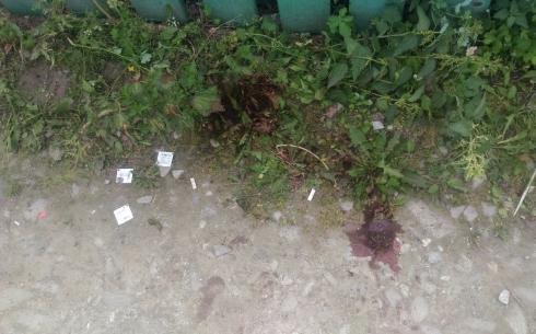 Пассажирка погибла, водитель в больнице: в Екатеринбурге мотоцикл влетел в забор