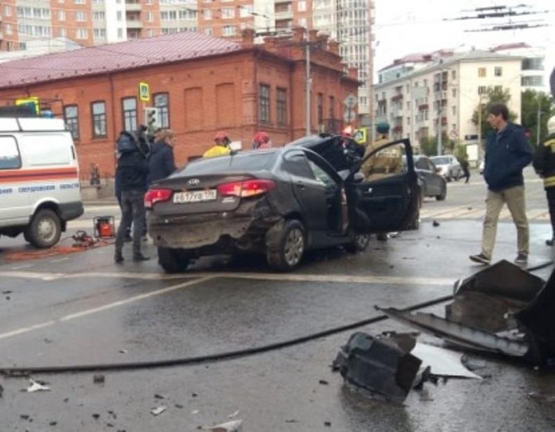 Виновники смертельного ДТП в Екатеринбурге управляли угнанным автомобилем