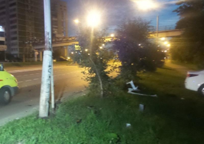 На улице Металлургов ночью произошло ДТП, в котором пострадал 8-летний ребенок