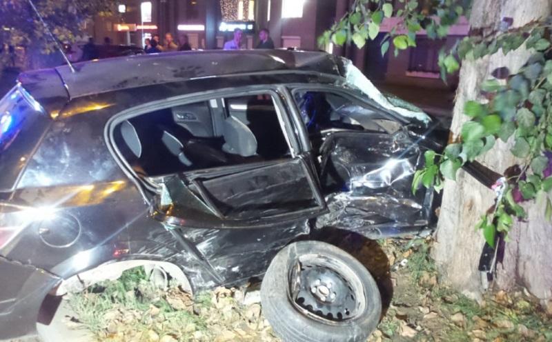 В Екатеринбурге на Щорса столкнулись автомобили. Есть пострадавшие