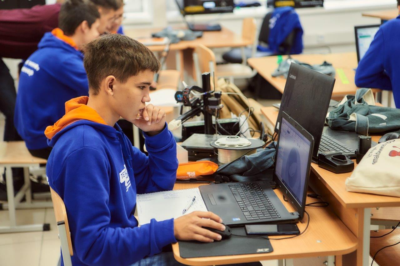Инженеры новой формации: летняя проектная школа УГМК организована на озере Таватуй