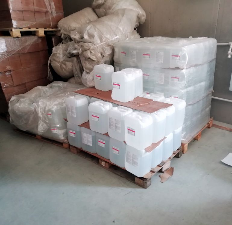 Свердловские силовики выявили канал незаконного сбыта водки и «фунфыриков»