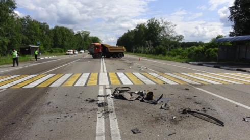 Под Каменском-Уральским водитель легковушки уснул за рулём и влетел в КАМАЗ