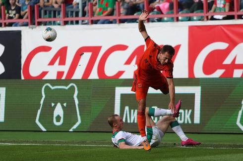 «Урал» на выезде потерпел громкое поражение в матче против «Локомотива»