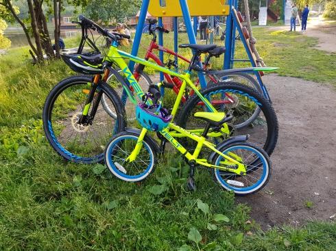 И вот опять: в Екатеринбурге из подземного паркинга двое парней украли велосипеды