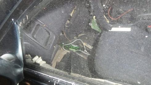 Машина всмятку: в Екатеринбурге на Уралмаше произошло ДТП
