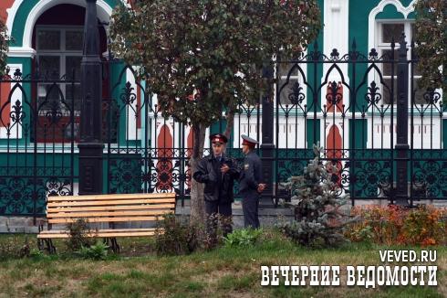 Цуканов «отодвигает» от храма общественность, а мэры ссорятся с МУГИСО и председателем Заксобрания