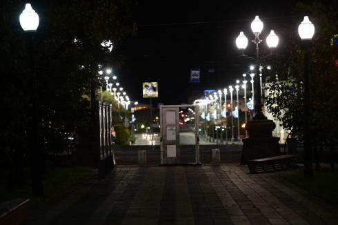 И опять в никуда: в центре Екатеринбурга появилась ещё одна дверь