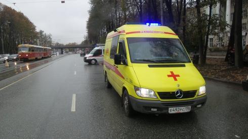 В массовом ДТП в центре Екатеринбурга пострадали несовершеннолетние