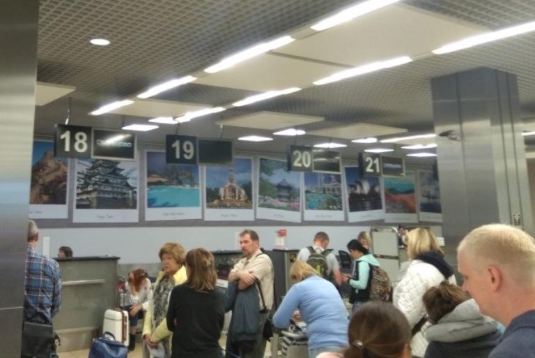 Коллапс в Кольцово: в аэропорту 40 минут не было интернета