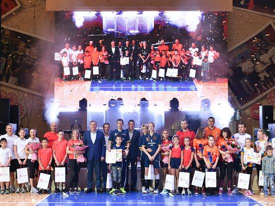 В Екатеринбурге пройдет праздничное шоу  в честь 20-летия Уральской горно-металлургической компании