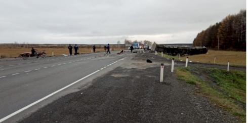 Жёсткое ДТП произошло на трассе Екатеринбург – Тюмень. Трое погибших