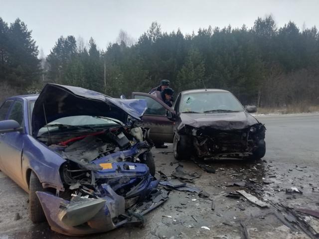 На свердловской трассе в результате ДТП погибла женщина, еще трое пострадали