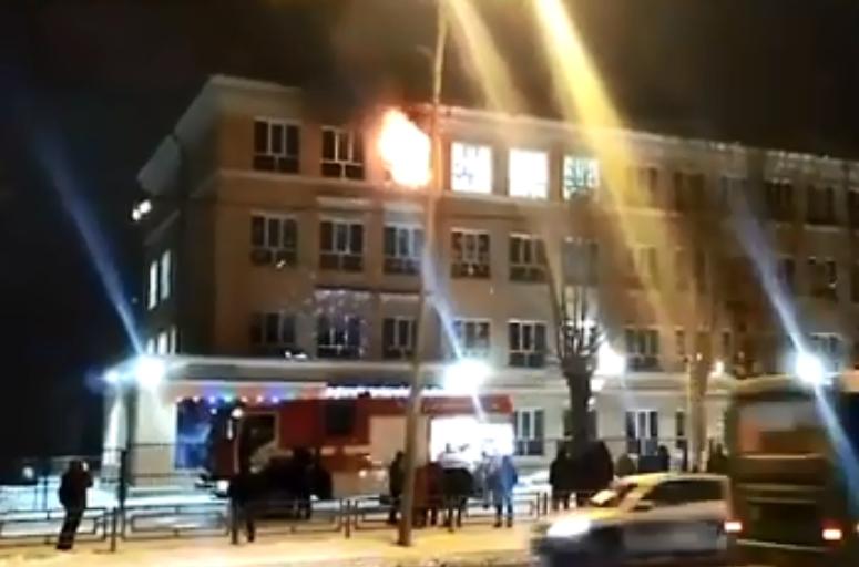 В Екатеринбурге ещё один крупный пожар. На этот раз горит школа № 17 на Белинского
