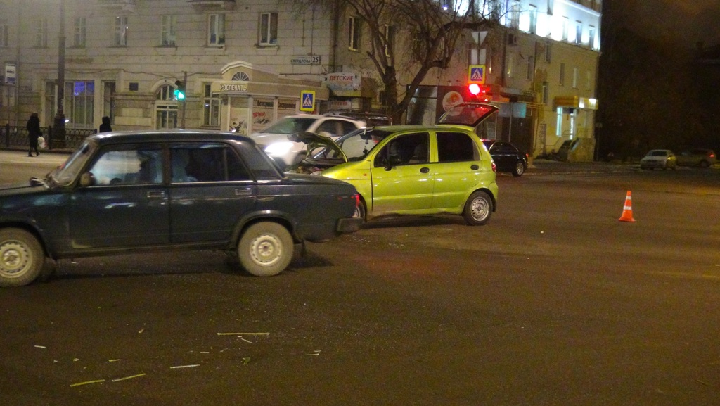 Две малолитражки столкнулись в центре Екатеринбурга